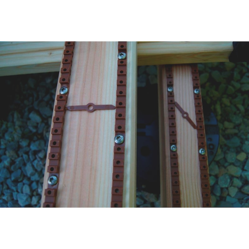 Spacer strip on roll - 4