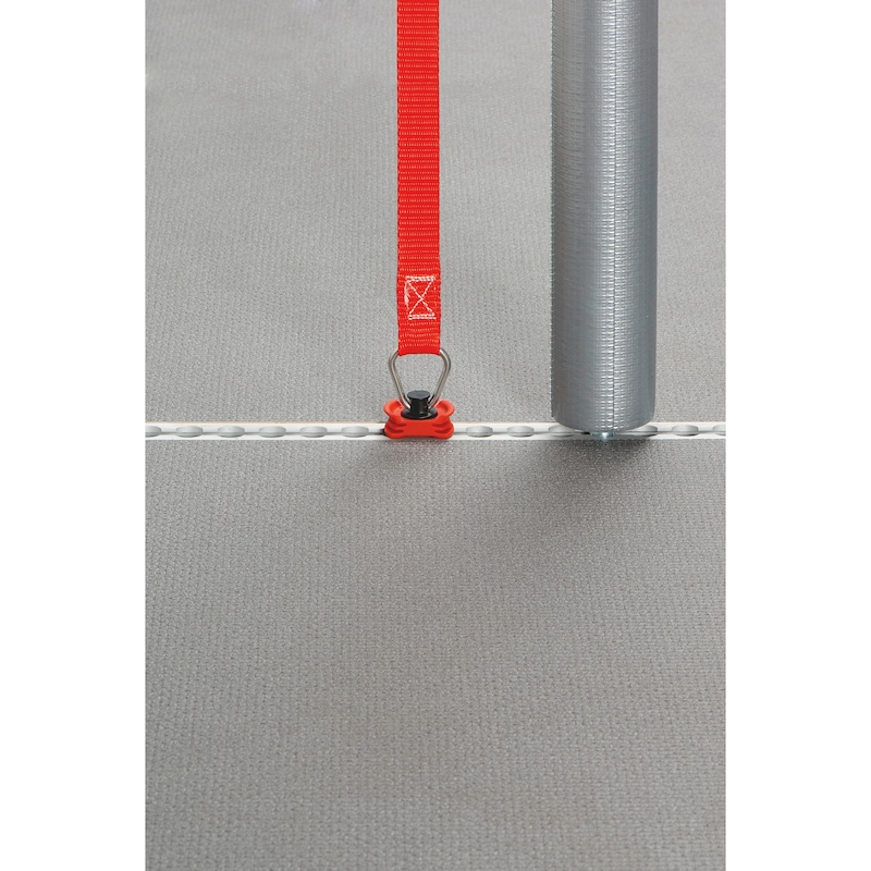Bodenplatte mit integrierten Zurrschienen - 3