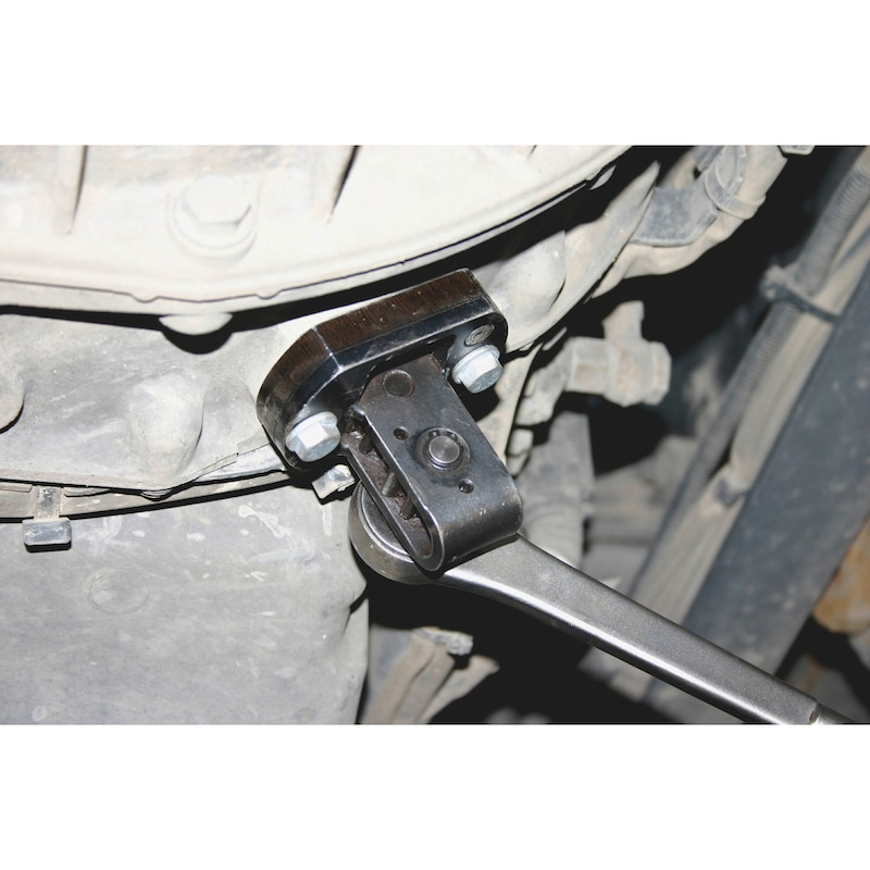Engine turning unit With 3 gears and thicker intermediate plate - 2