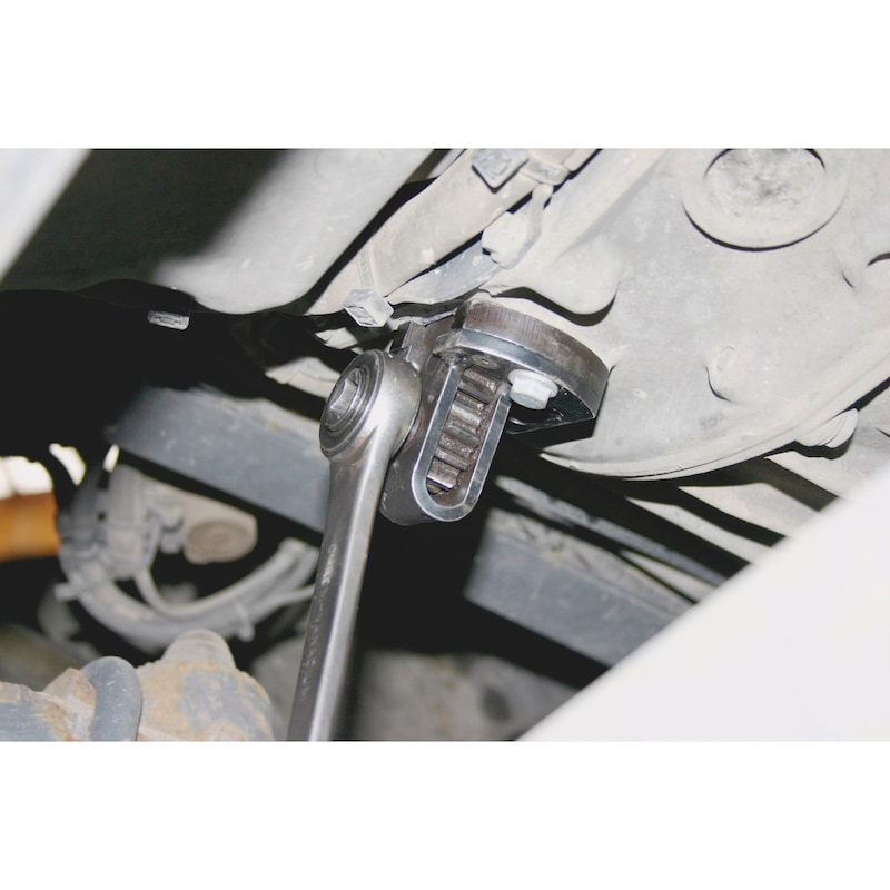 Engine turning unit With 3 gears and thicker intermediate plate - 3