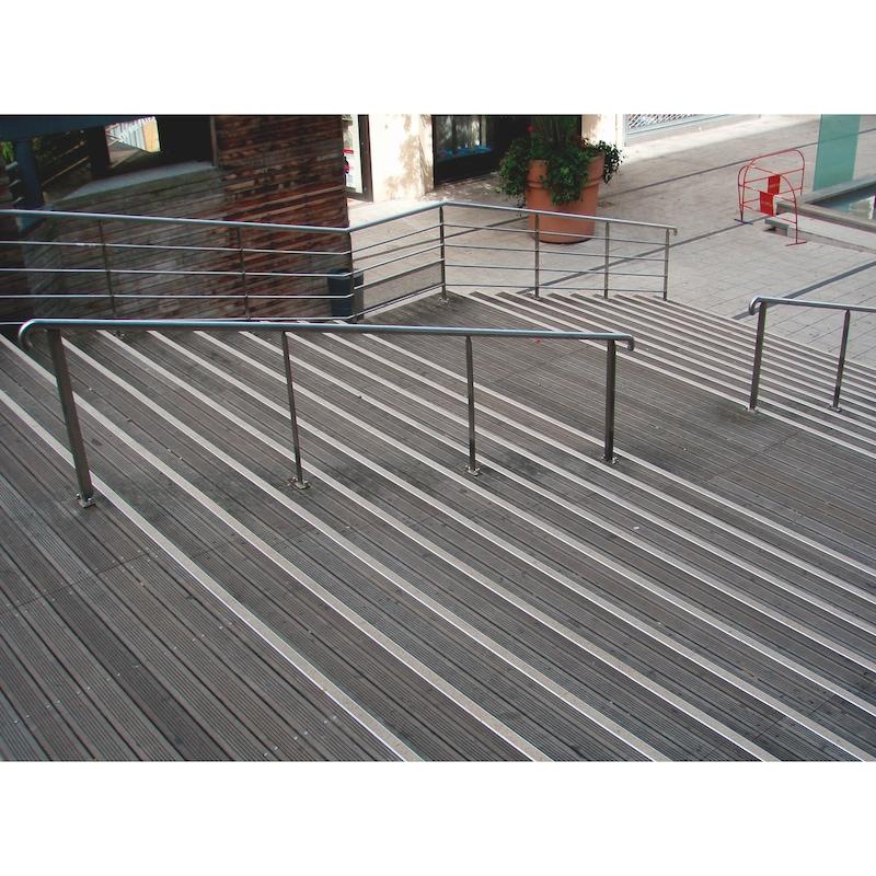 Profilé aluminium avec bande antidérapante pour nez de marche - 5