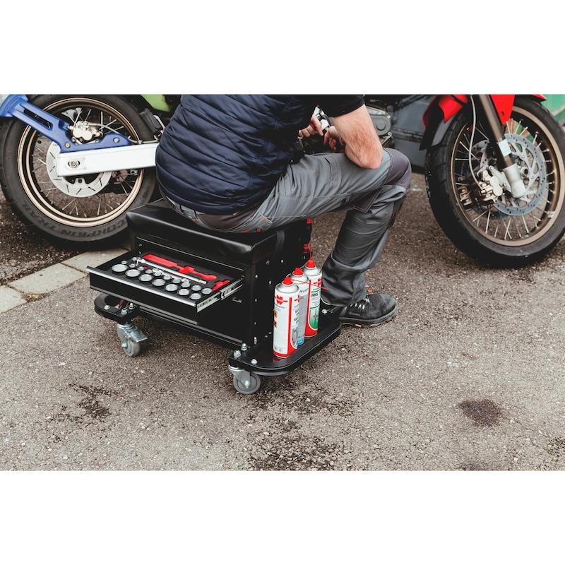 Caisse à outils avec siège sur roulettes - 9