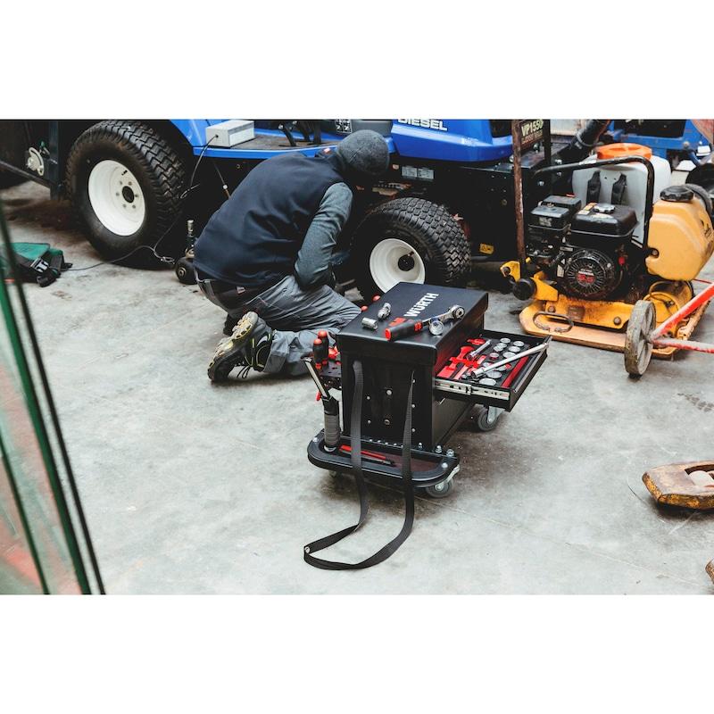 Caisse à outils avec siège sur roulettes - 13