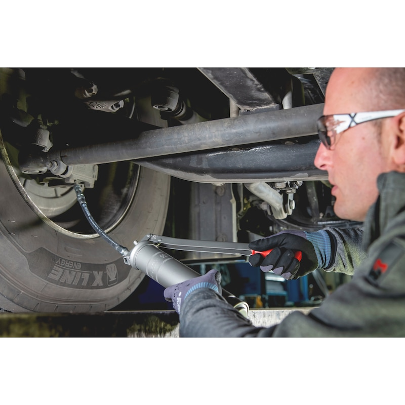 Wydajny smar do pojazdów komercyjnych - SMAR UNIWERSALNY DO WYS. NACISKOW