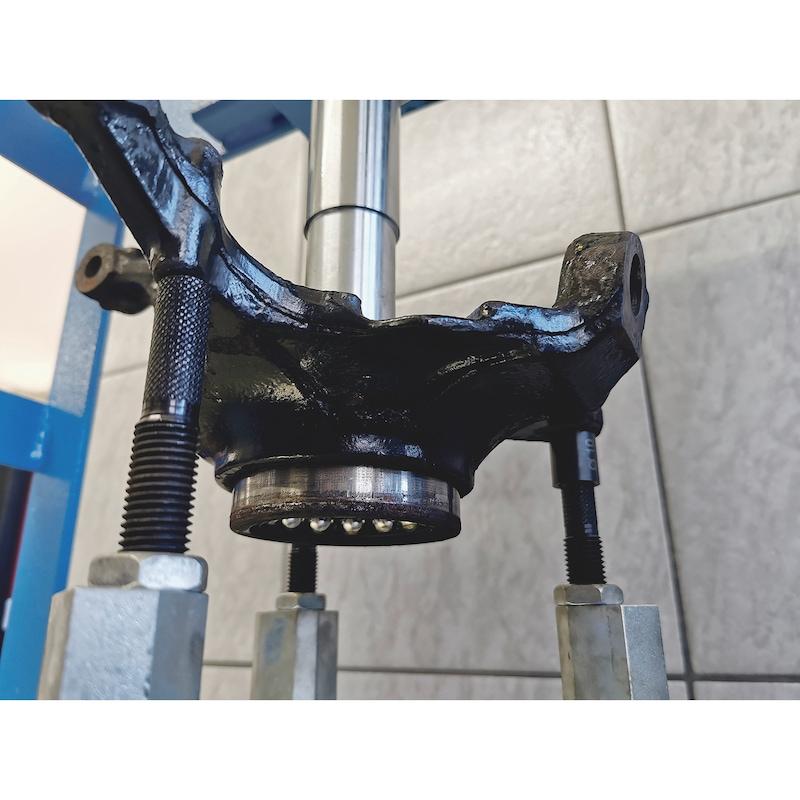 Wheel bearing tool kit XXL for large passenger cars to vans - 3