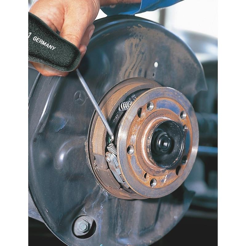 Extractor hook - 2