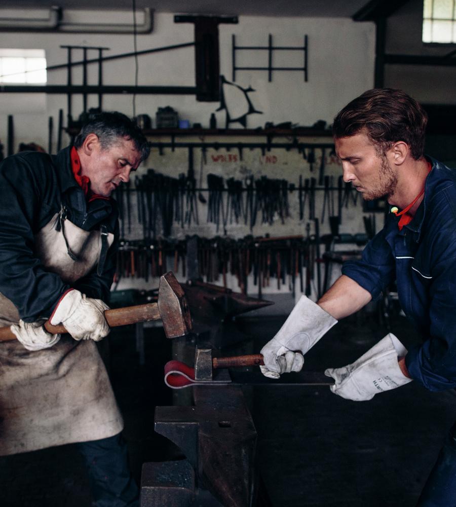 ... Blauer Overall für alle Handwerker, aus hochwertiger Baumwolle, günstig  und bequem  Blauer Arbeitsoverall ... 5bcd840806