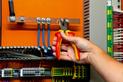 Szczypce uniw. VDE DIN ISO 5746 IEC 60900 uchw. 2C - SZCZYPCE VDE UNIWERSALNE 180MM - 0