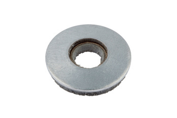 Sealing washer with metal back