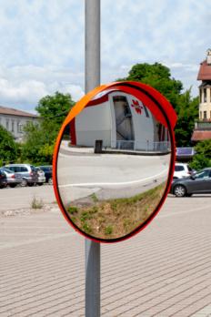 Specchio stradale