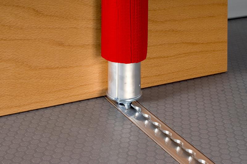 barre de maintien en aluminium r glable rouge. Black Bedroom Furniture Sets. Home Design Ideas