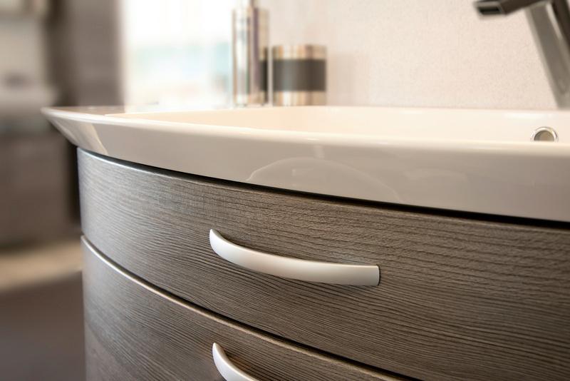 Maniglia per mobili di design alluminio piatta for Outlet di mobili di design pittsburgh