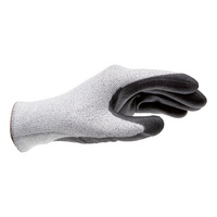 Cutting protection glove Cut 5/100 with Dyneema<SUP>®</SUP> fibres