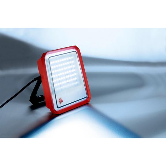 Lampe de travail à LED 32W - PROJECTEUR LED-32W-2700LUMEN
