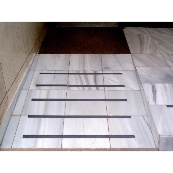 Fita adesiva anti-derrapante PVC - FITA ANTIDERRAPANTE 50MM 18M