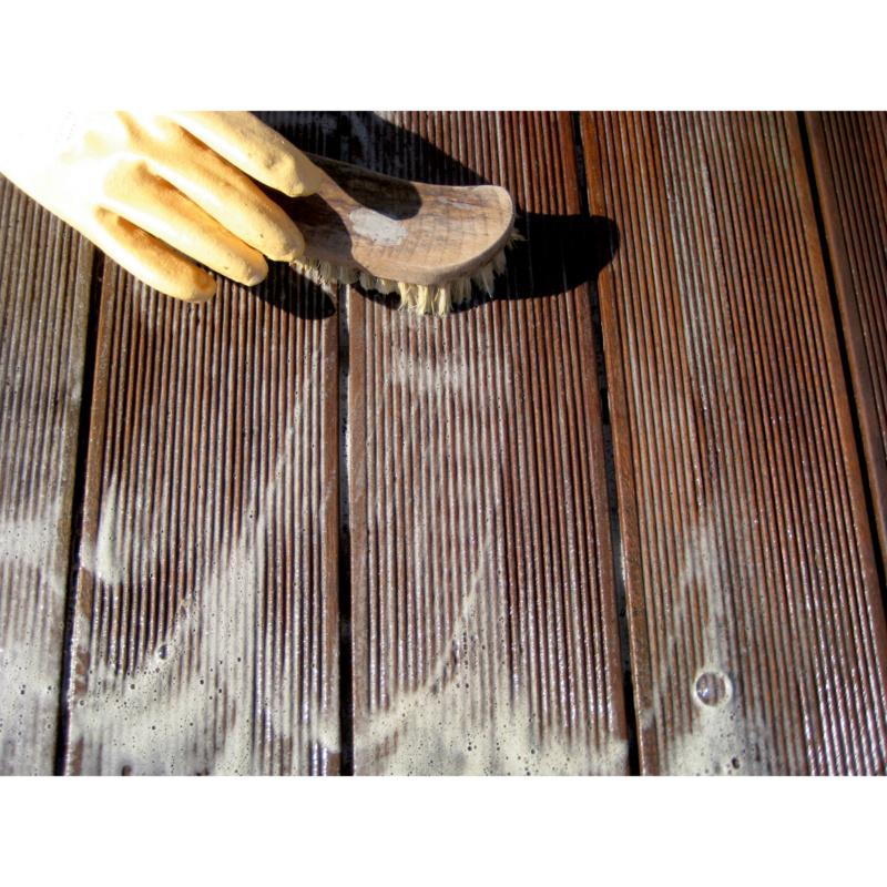 Produto de limpeza de terraços - PRODUTO LIMPEZA MADEIRA 2.5L