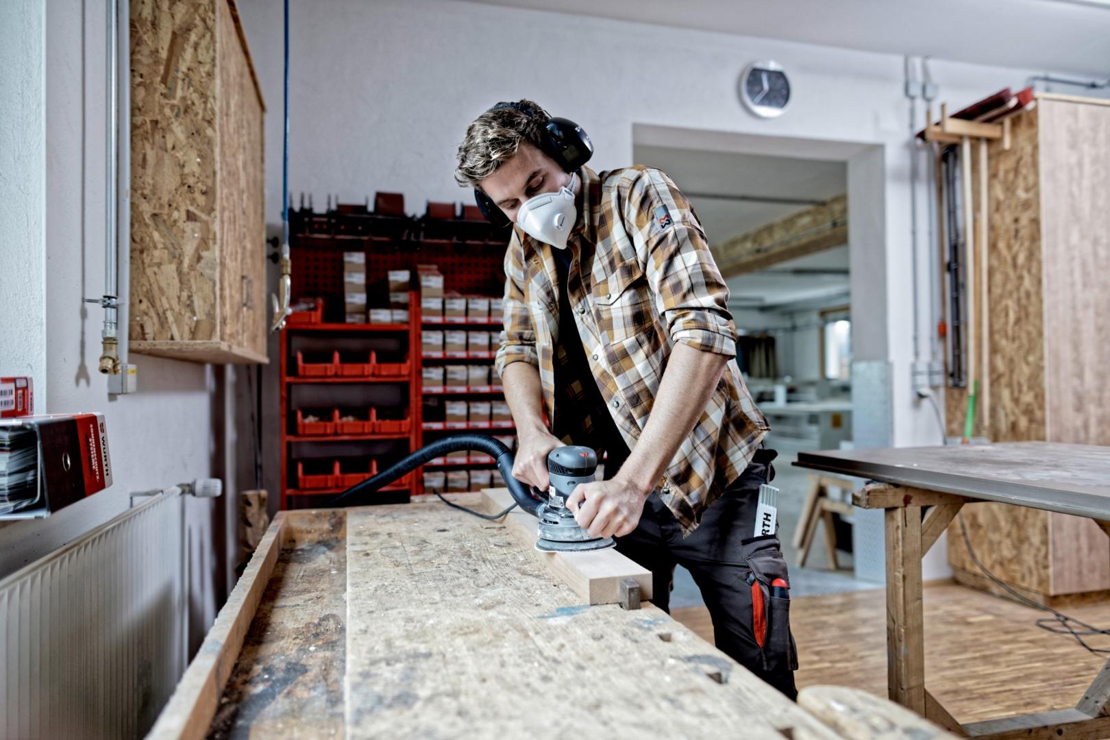 Titelbild Holzbearbeitung: So finden Sie das optimale Schleifmittel