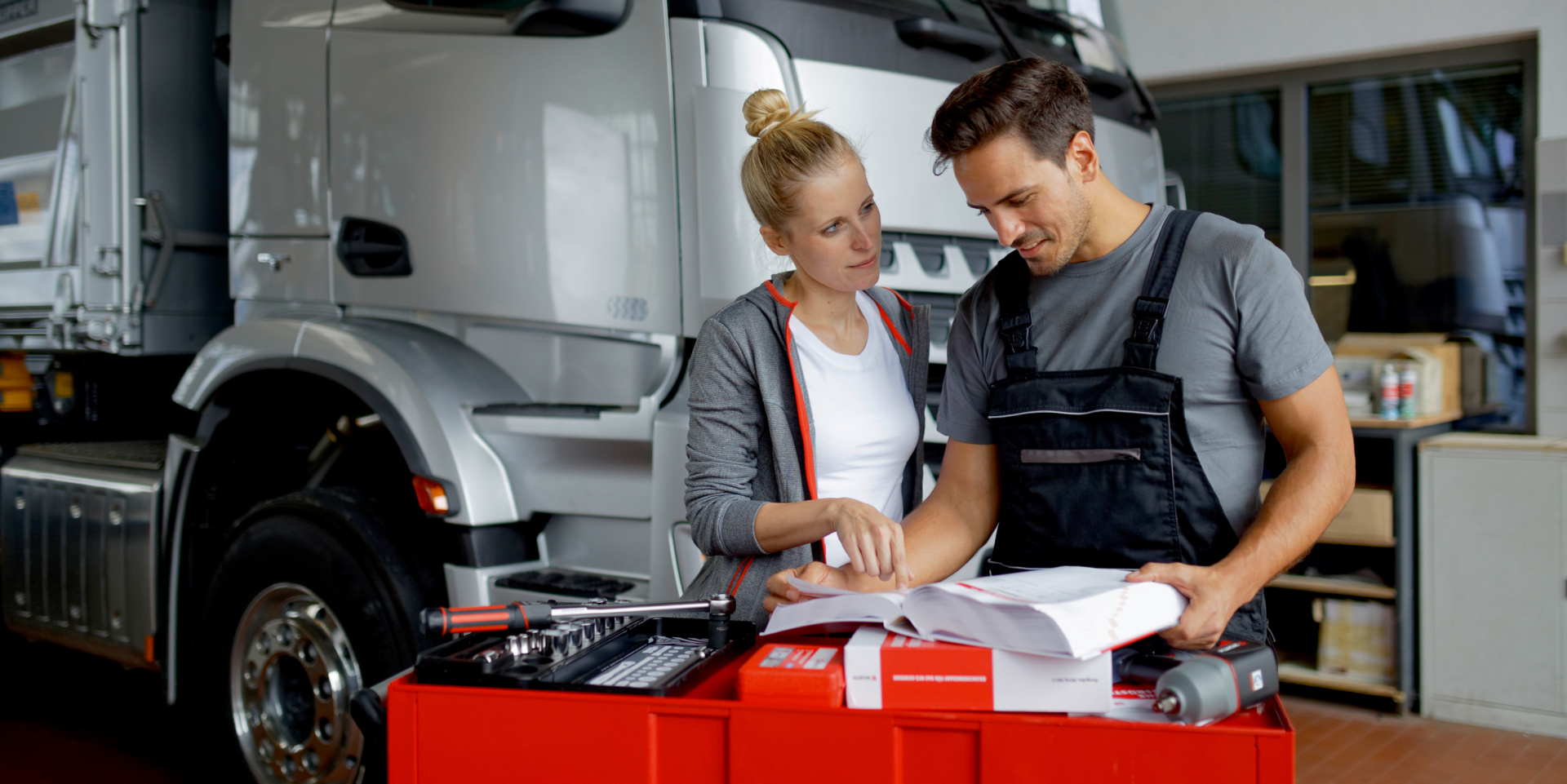 Titelbild Werkstatt-Ratgeber: Services, C-Teile und mehr – so steigern Sie Ihre Einnahmen