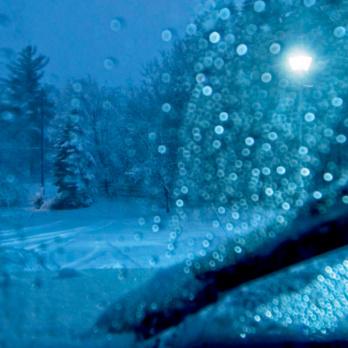 Tipps für sicheres Fahren bei Schnee, Eis und Kälte