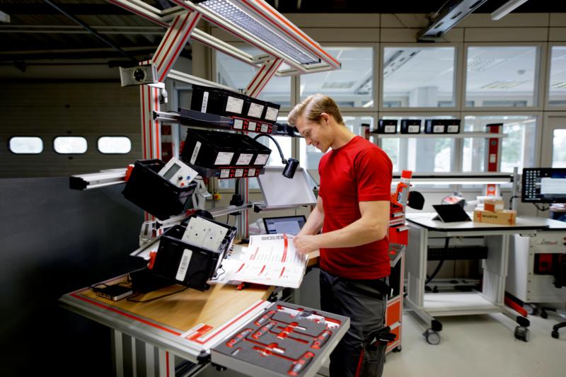 Magazin Teaser Unter Strom: Die 10 beliebtesten Produkte für den Elektriker
