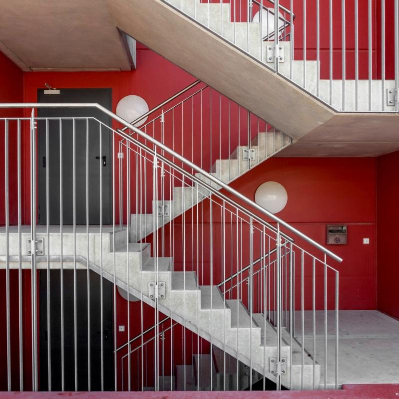 Treppengeländer, Befestigung von vorn