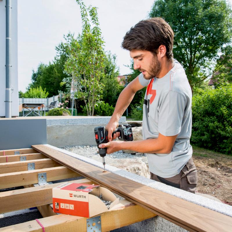 Magazin Teaser Terrassenbau: Planen, montieren, pflegen – Tipps & Tricks für das Wohnzimmer im Freien
