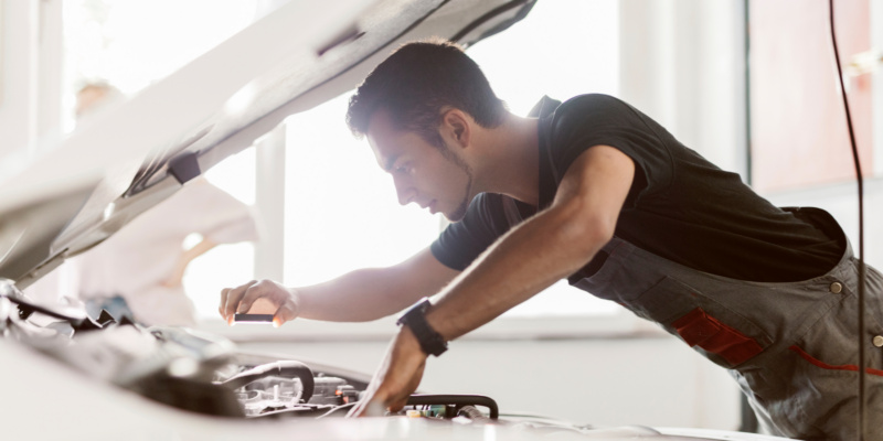 Magazin Teaser Arbeit unter Spannung: Machen Sie Ihre Werkstatt fit für Elektro-Fahrzeuge